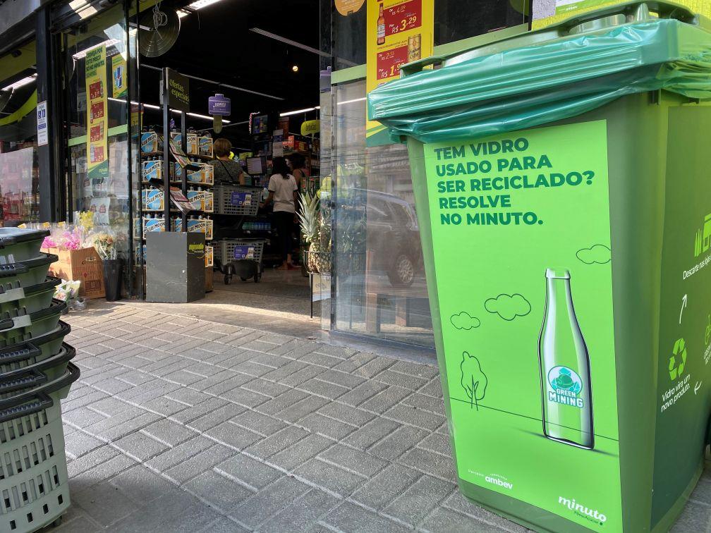 reciclagem de garrafas de vidro Ambev